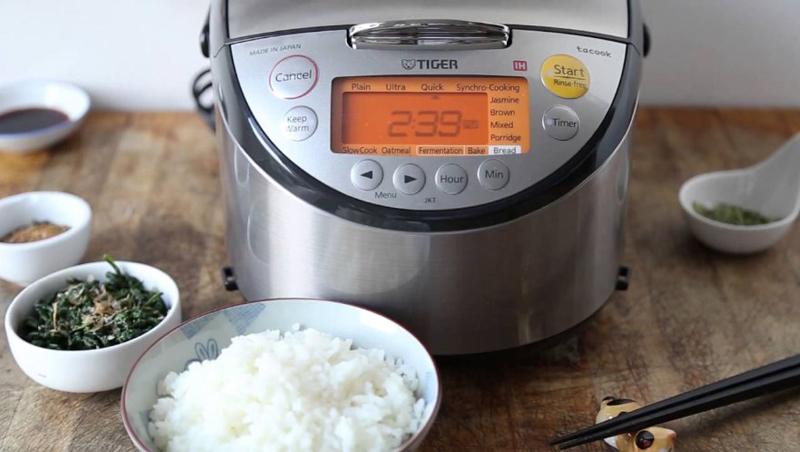 Bữa cơm gia đình sẽ ngon hơn khi sử dụng nồi cơm điện cao tần